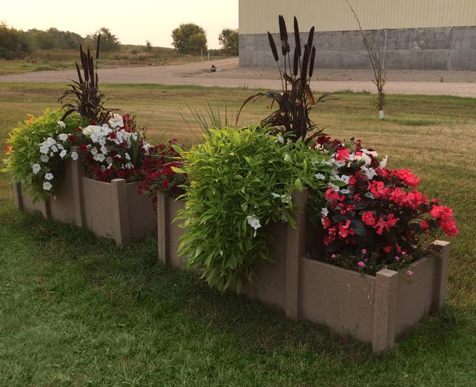 Municipal Hanging Flower Baskets : Castle self watering desert planter baldur flower committee