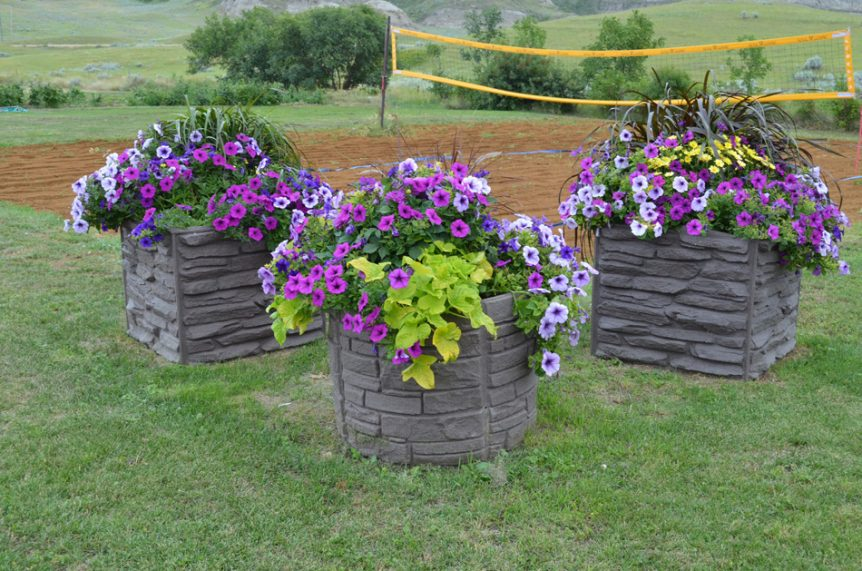 Sierra Stone Self Watering Planter